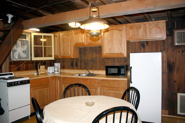 Wild Turkey Riverfront Cabins - Kitchen